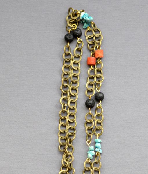 Collar colmillo Tibetano incrustaciones de coral y turquesa